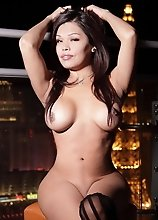 Busty Carmen Moore stripping in Vegas